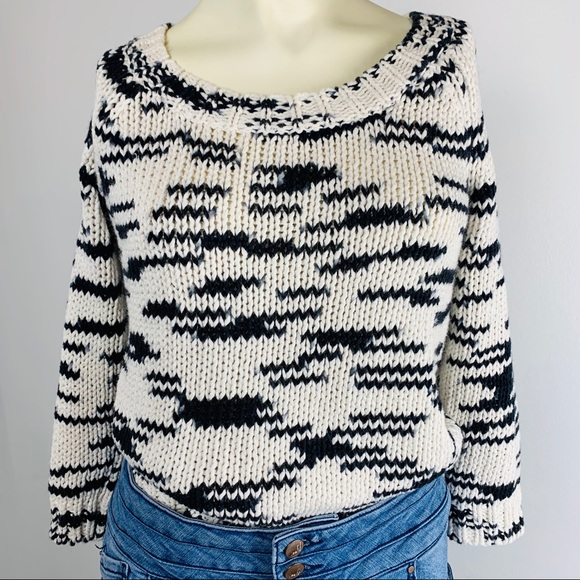 American Eagle Outfitters Sweaters - American Eagle Outfitters Black and White Sweater